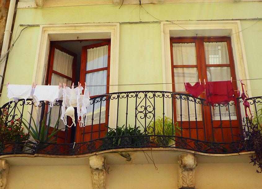 perilo-na-balkonu