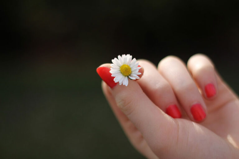Kako lahko zraste prst?