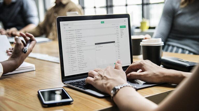 Kaj se dogaja z e-pošto?