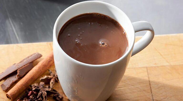 Čokoladni proteinski napitek s skrivno sestavino