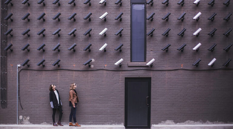 Kako do večje zasebnosti in do sveta brez cenzure?